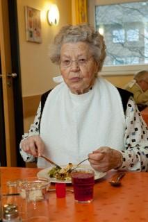 Mittagessen im Seniorenzentrum Am Eichendorffpark. (Foto: SMMP/Pohl)